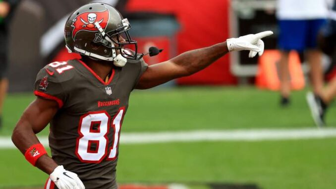 Bucs Insider Forecasts When Antonio Brown Will Sign